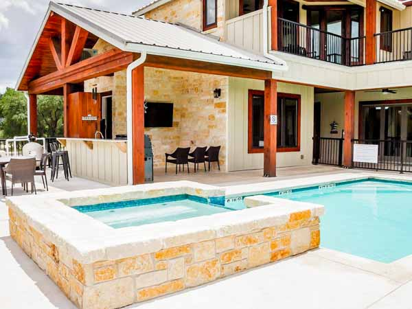 hill country hideaway pool