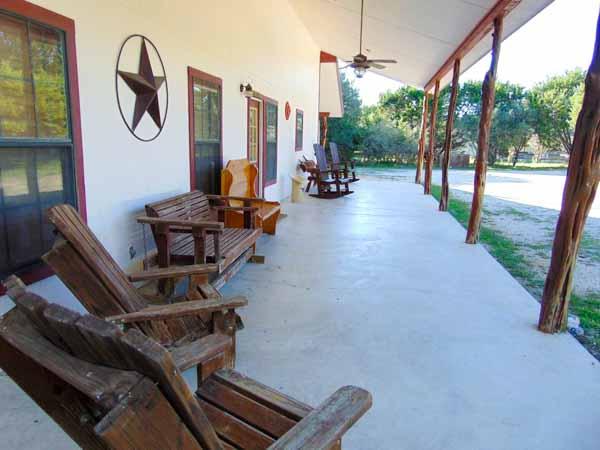 villa muniz porch
